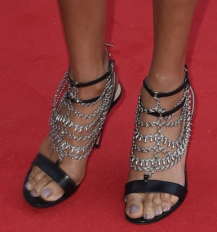 Alesha-Dixon-Gianvito-Rossi-Gitana-Sandals