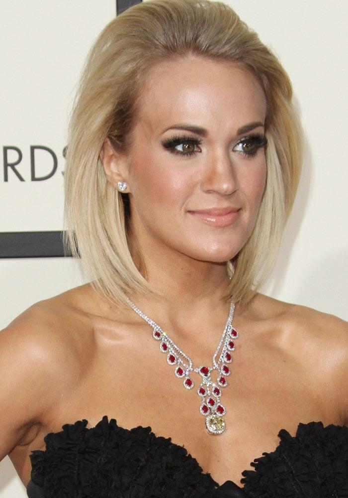 Carrie Underwood Grammys 2016 Giuseppe Zanotti 1