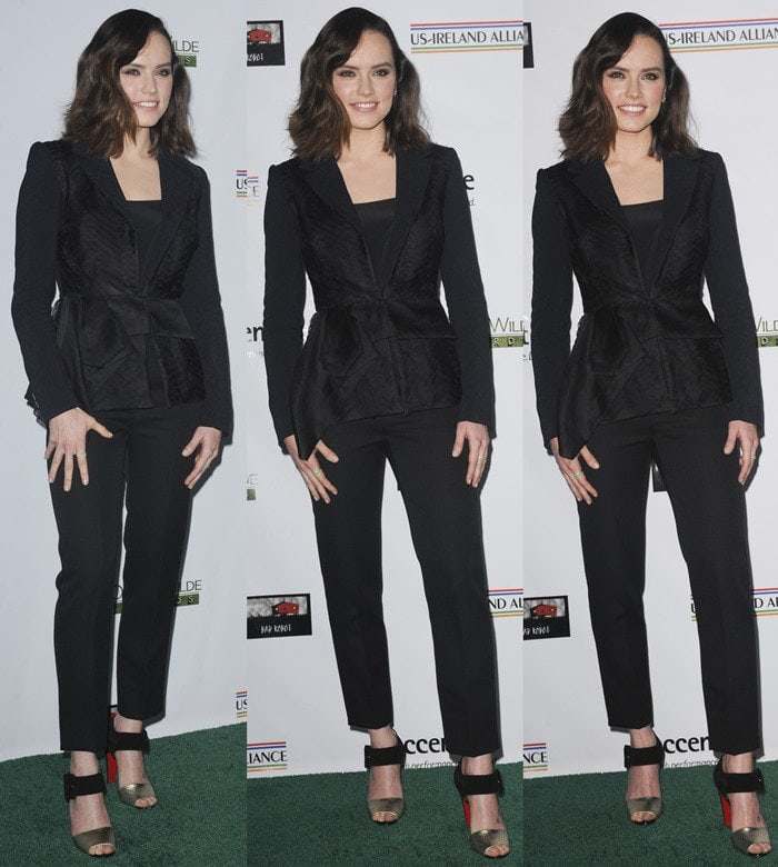 Daisy Ridley looked stunning in a sleek pantsuit featuring a blazer and matching pants