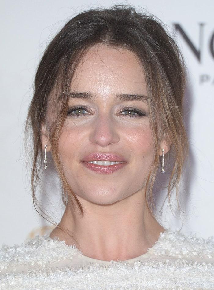 Emilia-Clarke-messy-updo-pink-lipstick