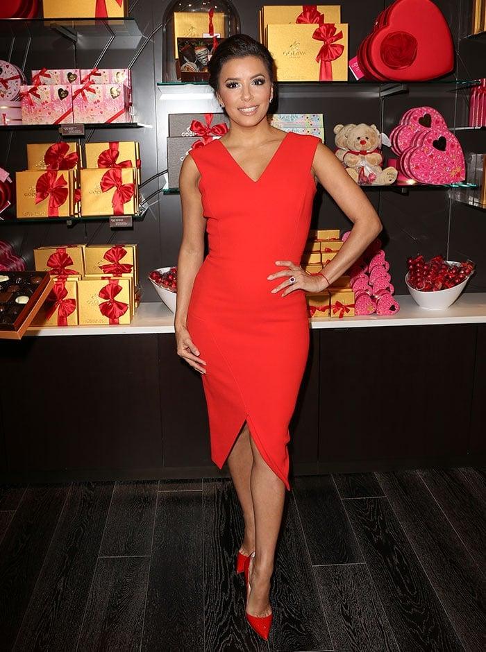 Eva-Longoria-red-dress-pumps-Valentines