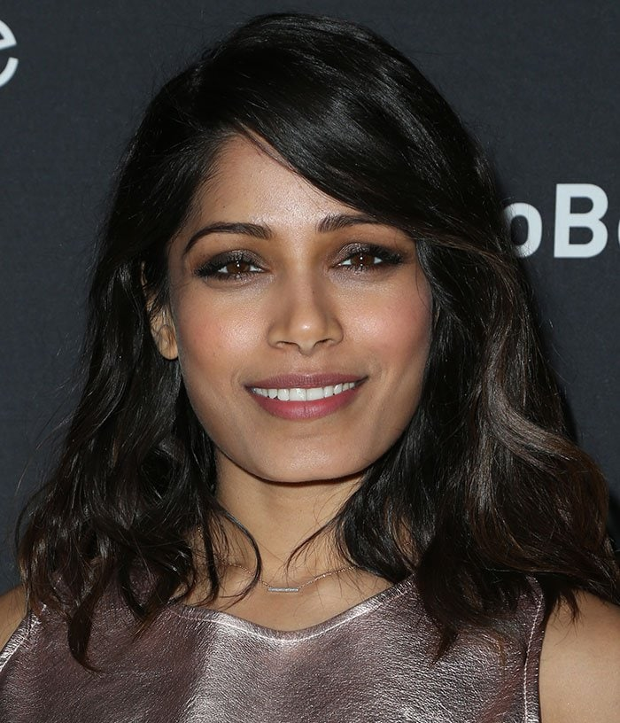 Freida-Pinto-hair-makeup