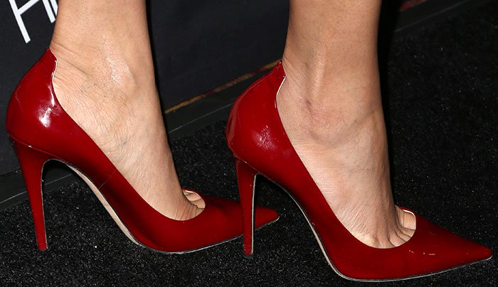 Freida-Pinto-red-patent-pumps