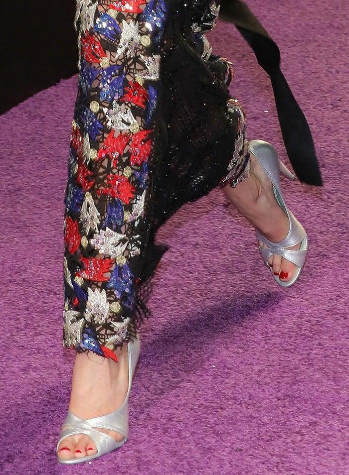 Gigi-Hadid-silver-peep-toe-pumps