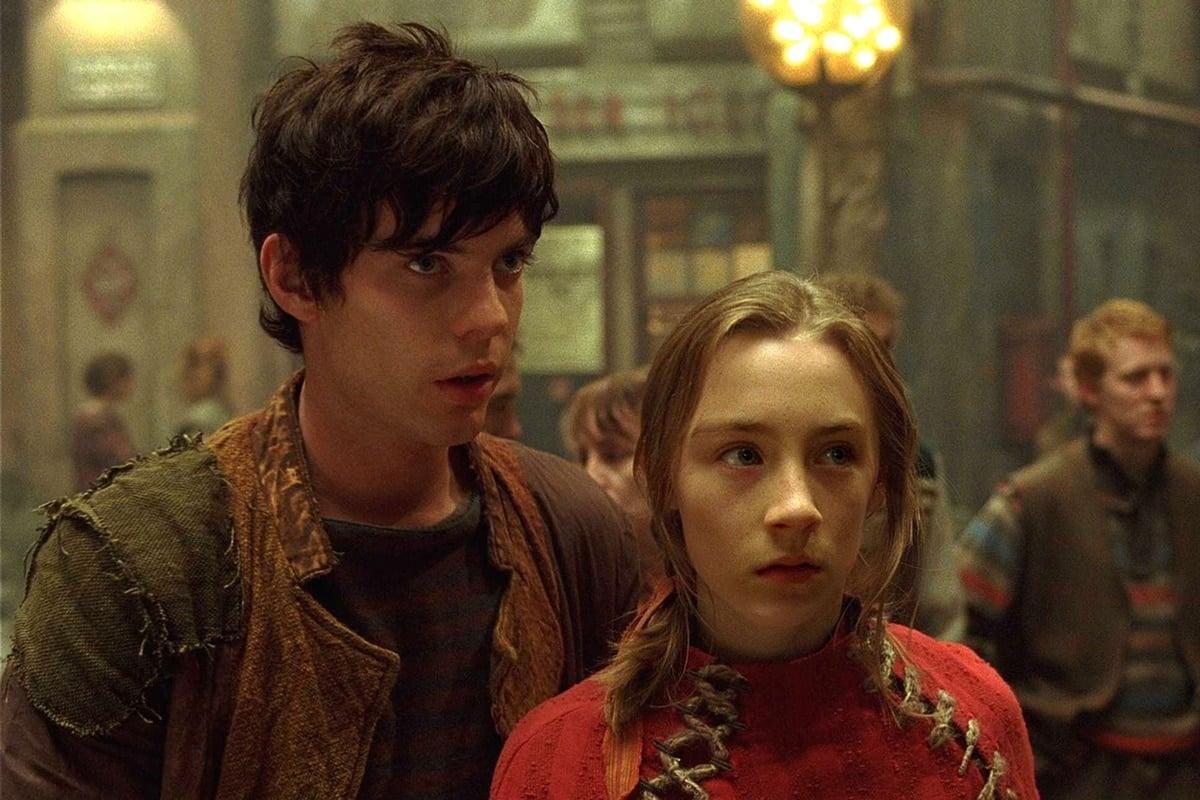 Saoirse Ronan as Lina Mayfleet and Harry Treadaway as Doon Harrow in City of Ember