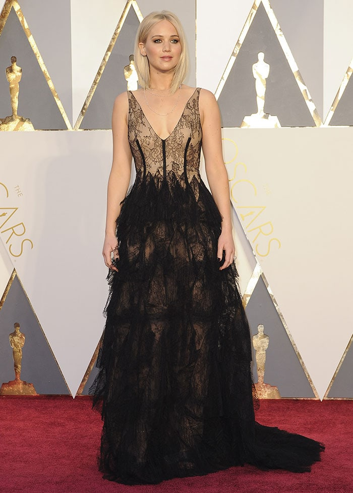 Jennifer attended the 88th Annual Academy Awards in a Christian Dior gown