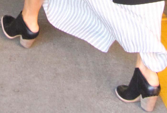 Jessica Alba Out LA Midas Shoes 2