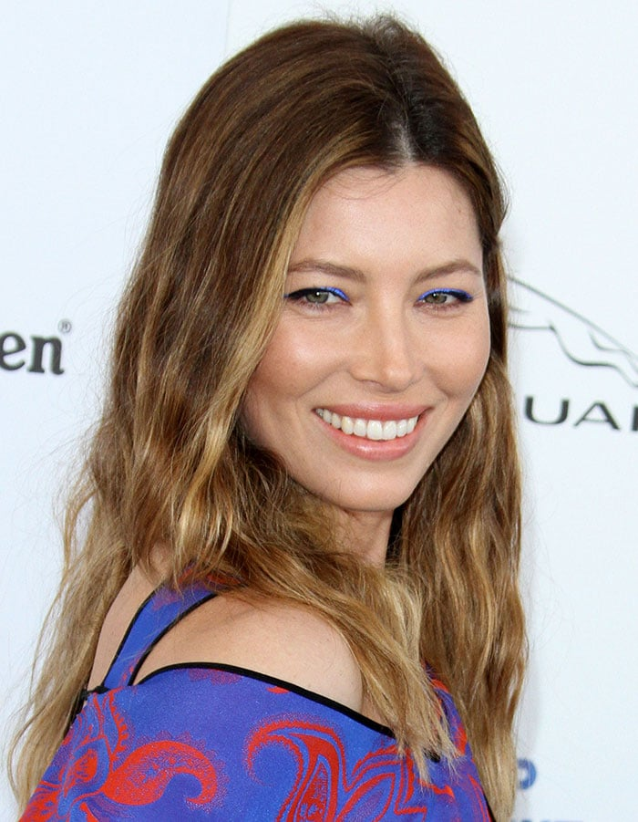 Jessica Biel wears her hair down at the 31st annual Film Independent Spirit Awards
