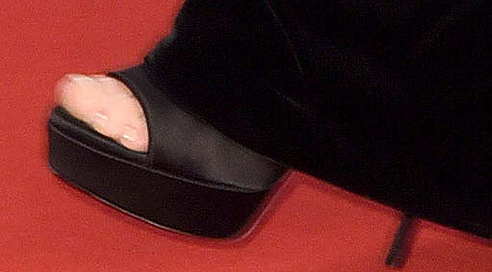 Julianne Moore's feet in black peep-toe platform heels