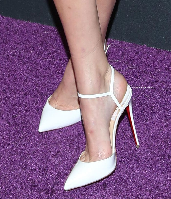 Kendall Jenner Flaunts Legs In Christian Louboutin
