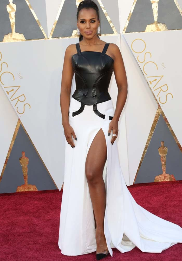 Kerry Washington arrives on the red carpet of the 2016 Academy Awards