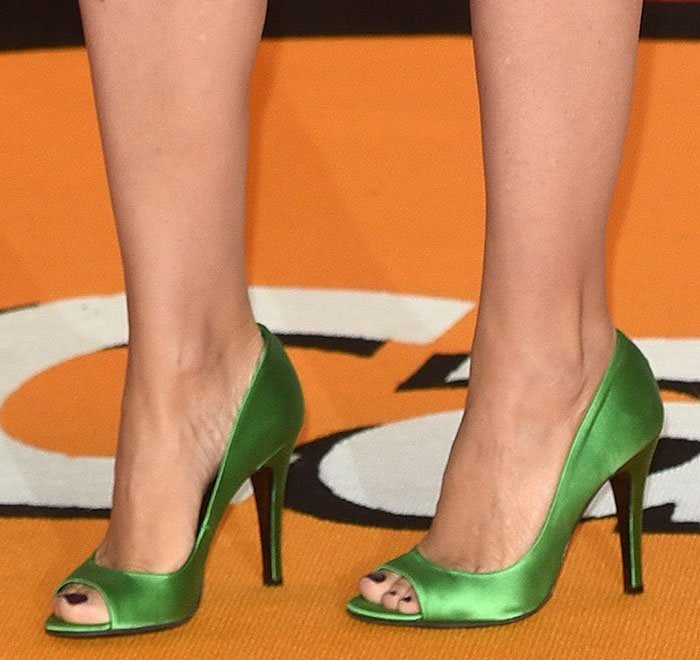 Kylie-Minogue-emerald-green-satin-peep-toe-pumps
