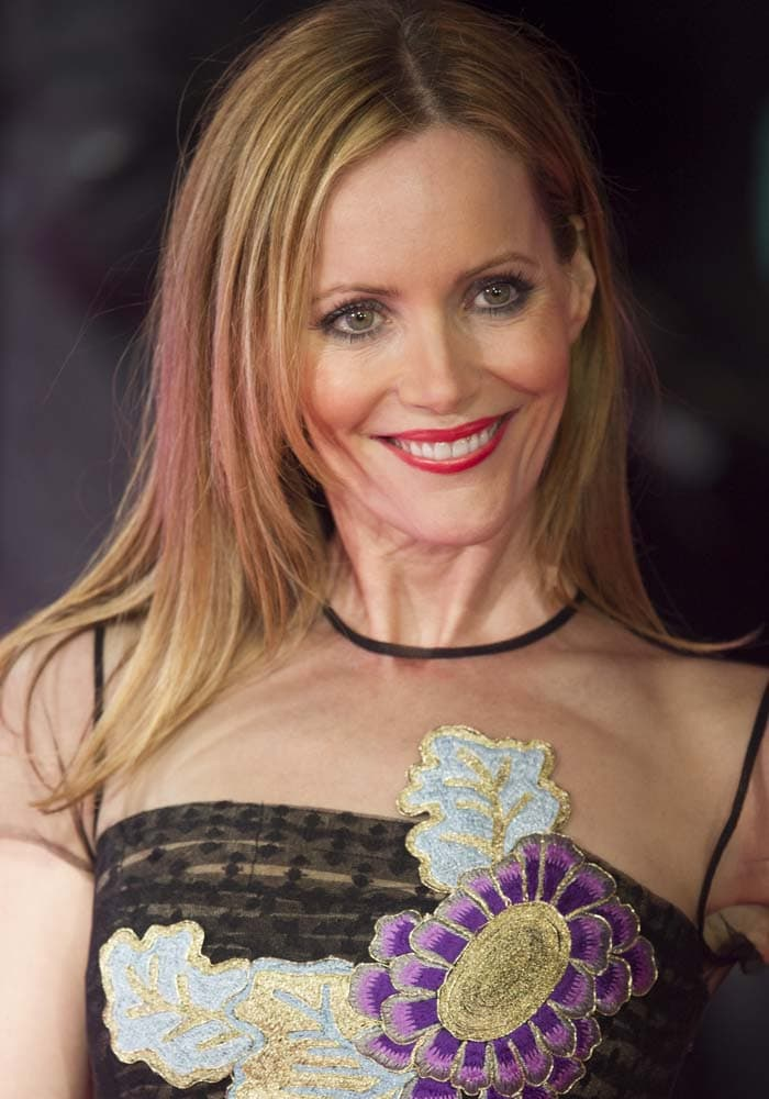 """Leslie Mann wears her hair down at the European premiere of """"How to Be Single"""""""
