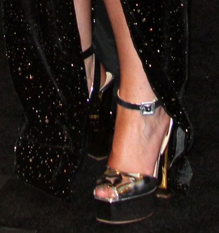 Meghan-Trainor-Giuseppe-Zanotti-metallic-sandals