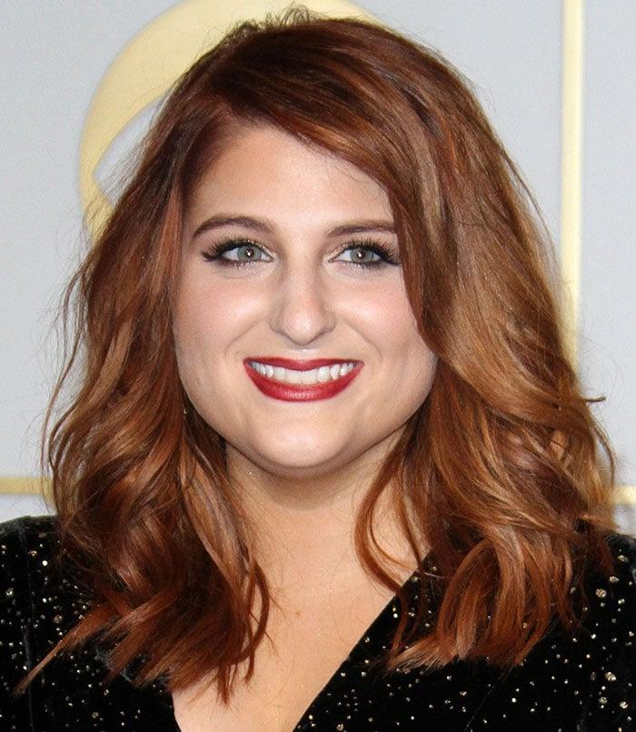 Meghan-Trainor-loose-waves-hair-red-lipstick