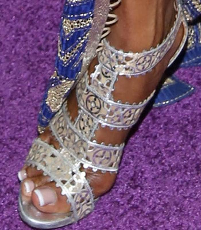 Naomi Campbell's feet in silver Alaïa sandals