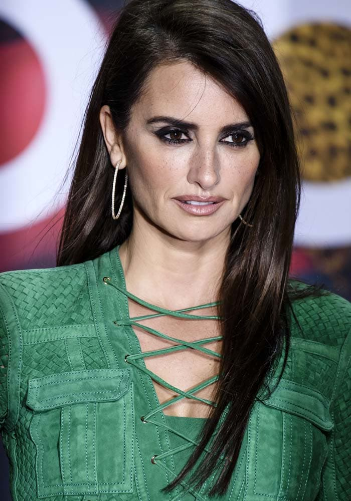 """Penélope Cruz wears her hair down at the premiere of """"Zoolander 2"""""""