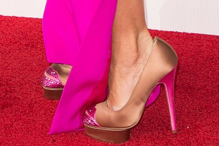 Sofia Vergara's feet in crystal lip-embellished Charlotte Olympia Kiss Me Dolores pumps