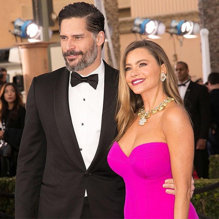 Newlyweds Joe Manganiello and Sofia Vergara pose for photos together at the SAG Awards
