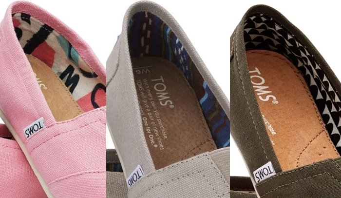 Authentic TOMS typically use printed linings on their shoes