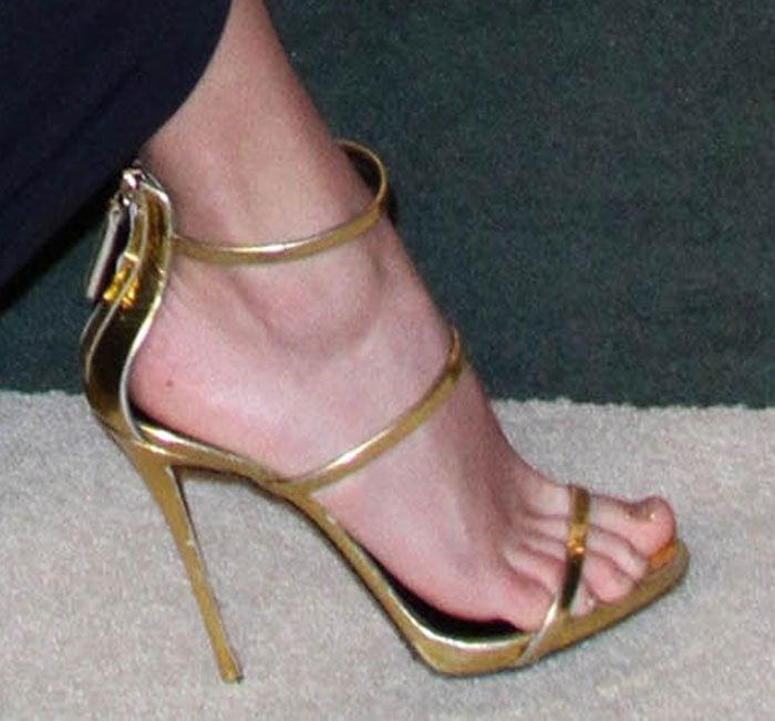Taylor-Swift-Giuseppe-Zanotti-Three-Strap-Sandals