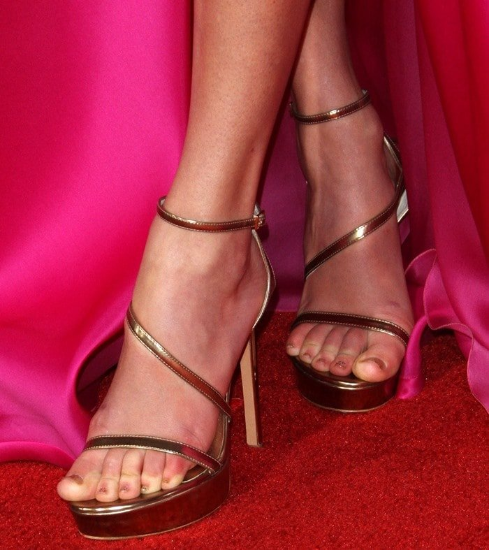 Taylor Swift's hot feet in 'Sultry' sandals from Stuart Weitzman