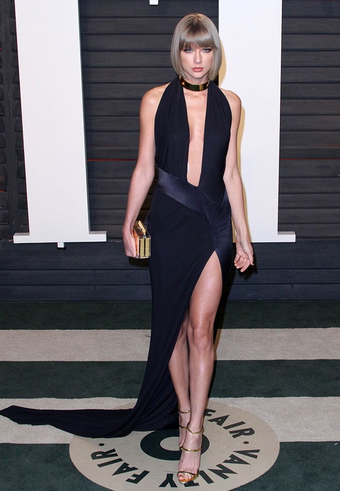 Taylor Swift shows off one of her sexiest looks yet at the Vanity Fair Oscar Party