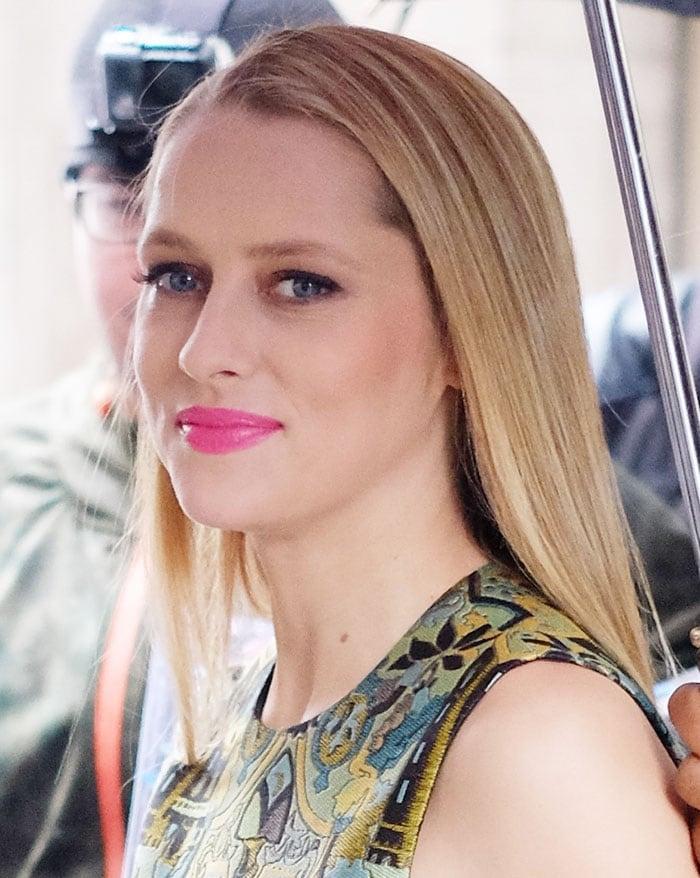 Teresa-Palmer-pink-lips-sleek-straight-hair