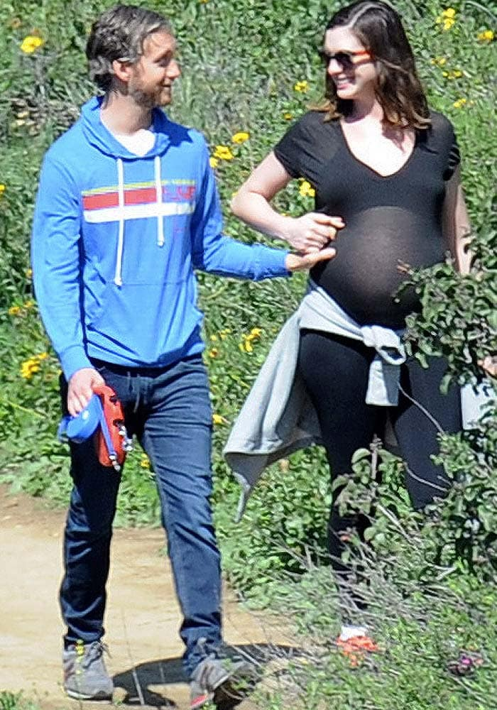 Anne Hathaway Pregnant Hiking Asics 4