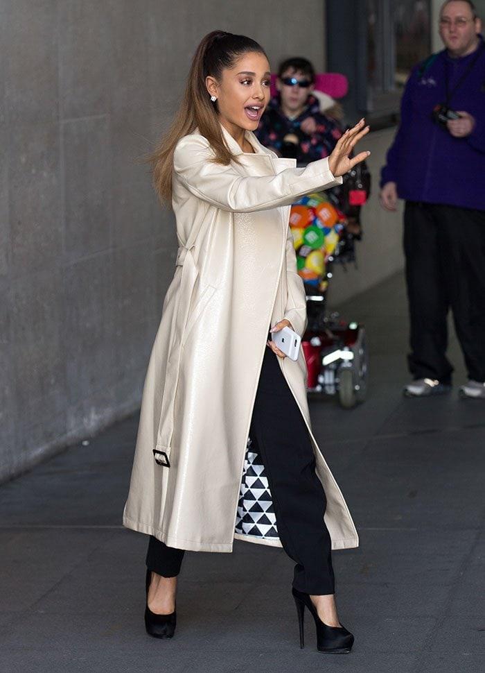 Ariana-Grande-BBC-Radio-1