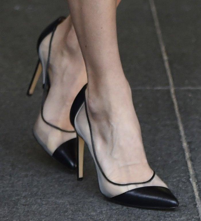 Carrie-Underwood-Bionda-Castana-leather-mesh-pumps