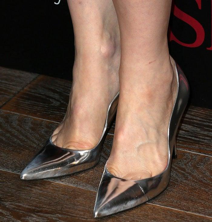 Cate-Blanchett-silver-metallic-pumps