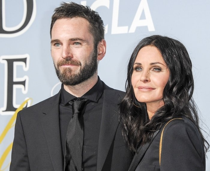 Courteney Cox, whose boyfriend Johnny McDaid is 12 years younger, says she doesn't worry about the age gap