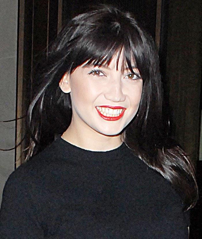 Daisy-Lowe-fringe-red-lips