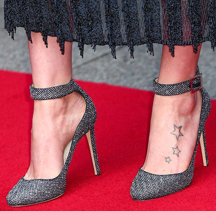 Daisy-Ridley-Jimmy-Choo-Helena-Sandals-1