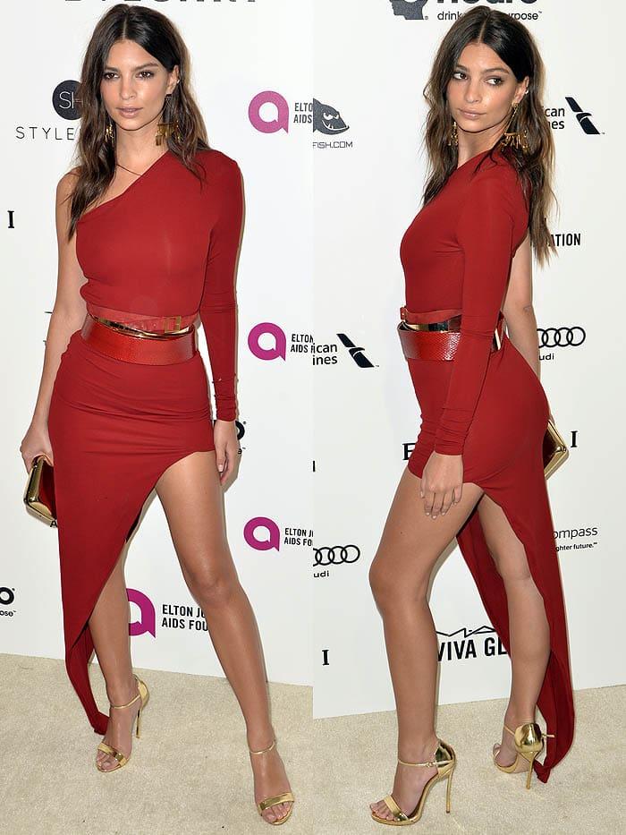 Emily Ratajkowski wears a sexy red Alexandre Vauthier dress