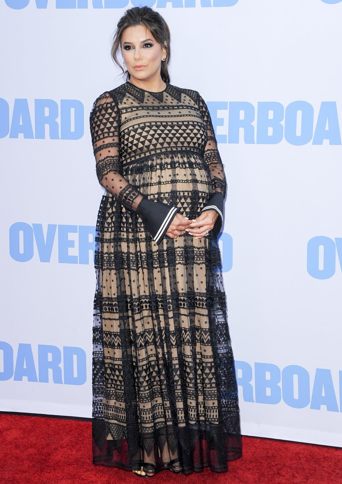 """Pregnant Eva Longoria in an Alberta Ferretti dress and Gianvito Rossi heels the premiere of Lionsgate and Pantelion Film's """"Overboard"""""""
