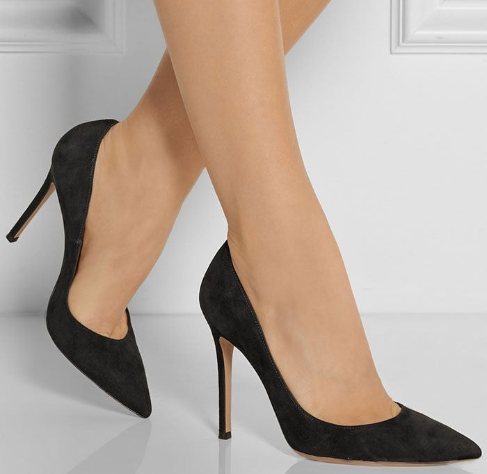 Gianvito-Rossi-100-suede-pumps-1