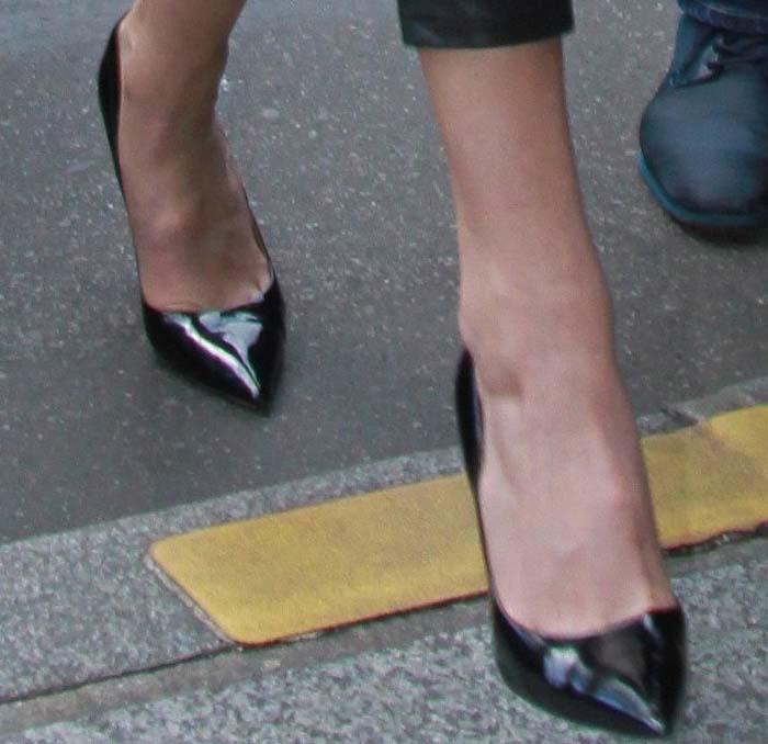 Gigi Hadid's feet in metal-heeled Kurt Geiger pumps