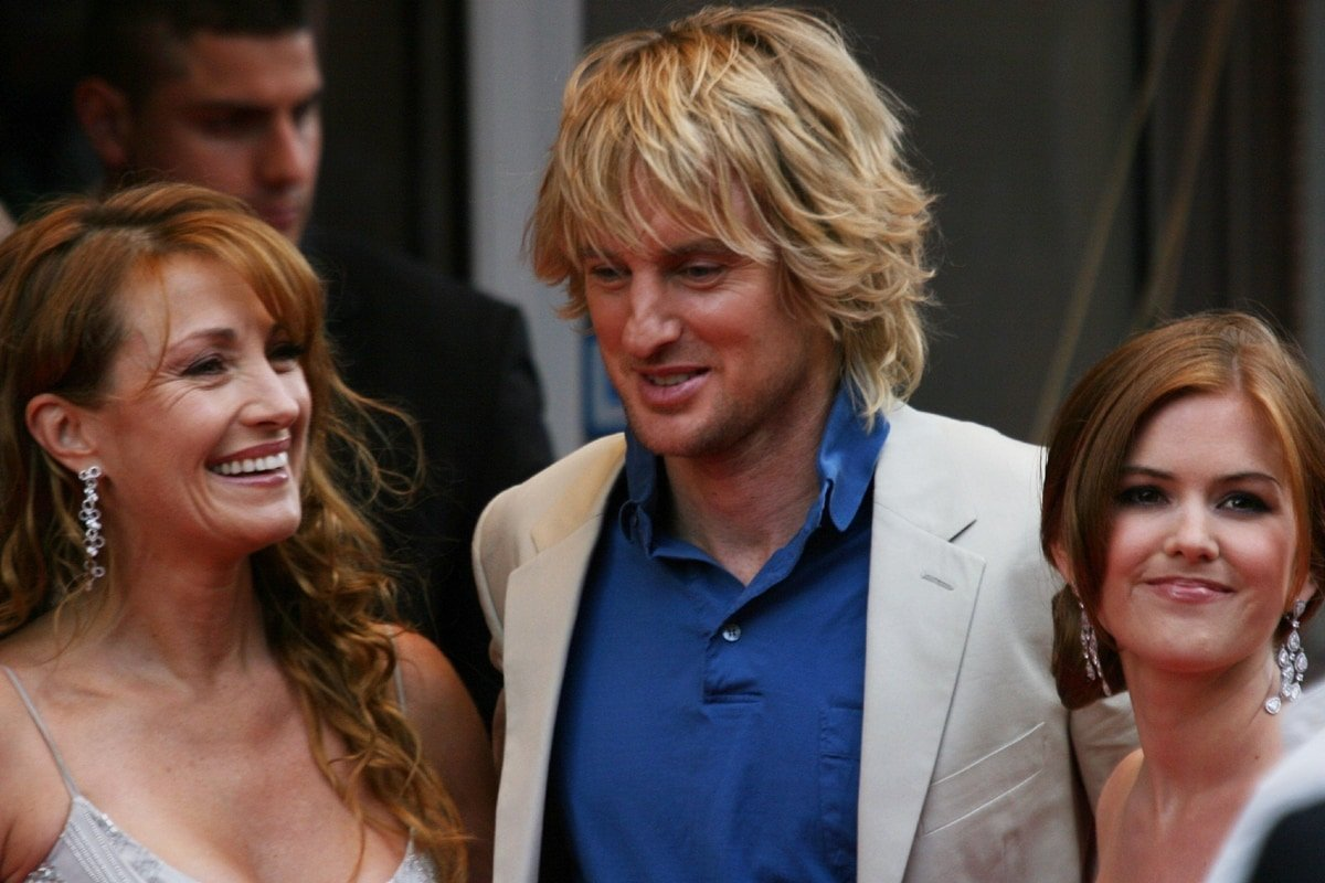"""Jane Seymour, Owen Wilson, and Isla Fisher during the premiere of """"Wedding Crashers"""""""