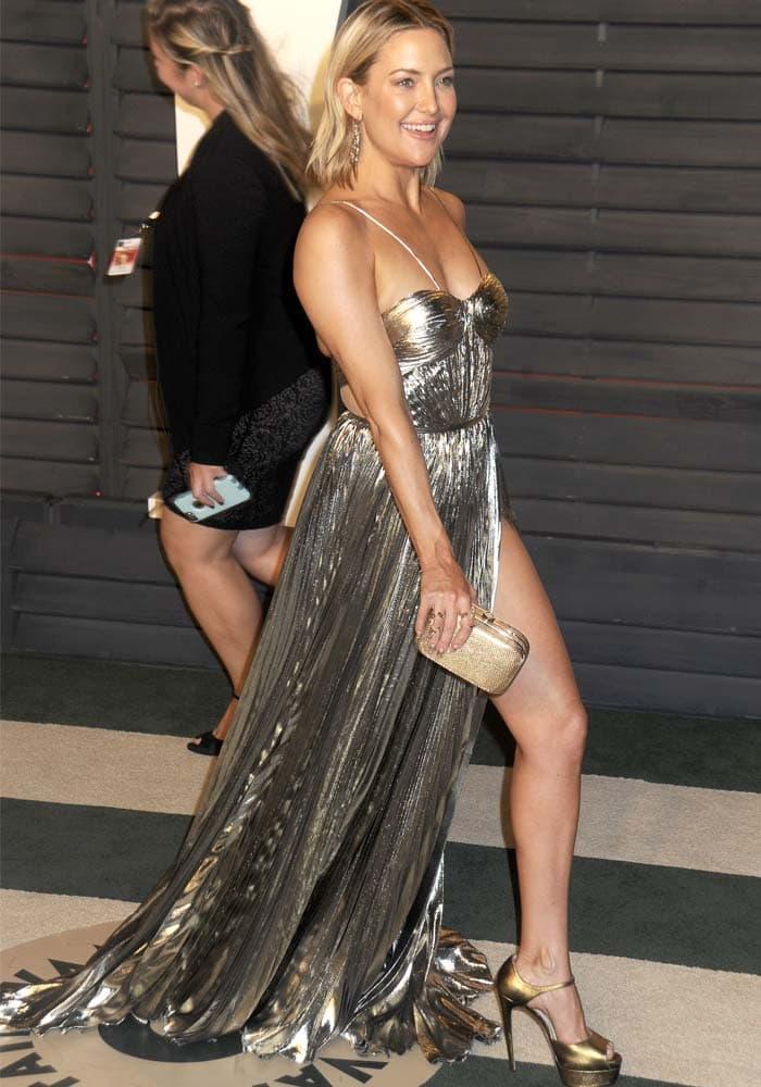 Kate Hudson Vanity Fair Oscar Brian Atwood 4