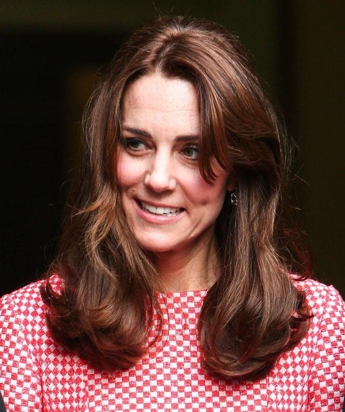 Kate Middleton london prositioning project gingham