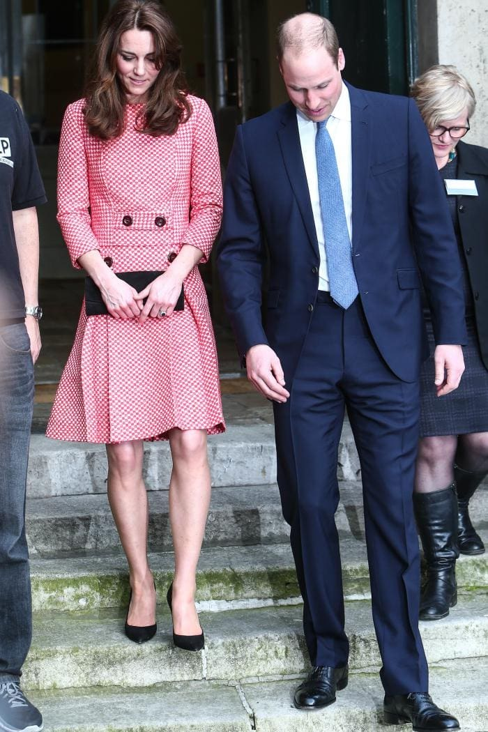 Kate middleton prince william gianvito rossi suede pumps