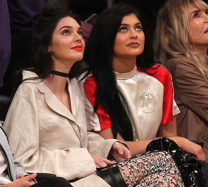 Kendall Jenner's wheat-colored oversized coat blazer