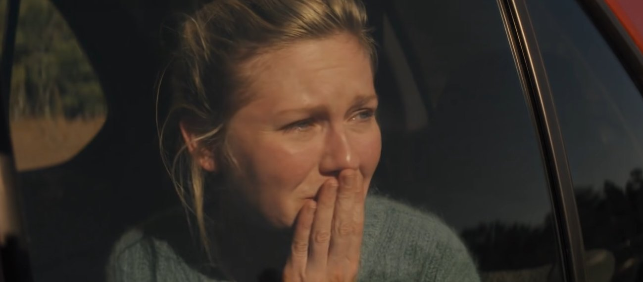 Kirsten Dunst as Sarah Tomlin in the 2016 American science fiction film Midnight Special