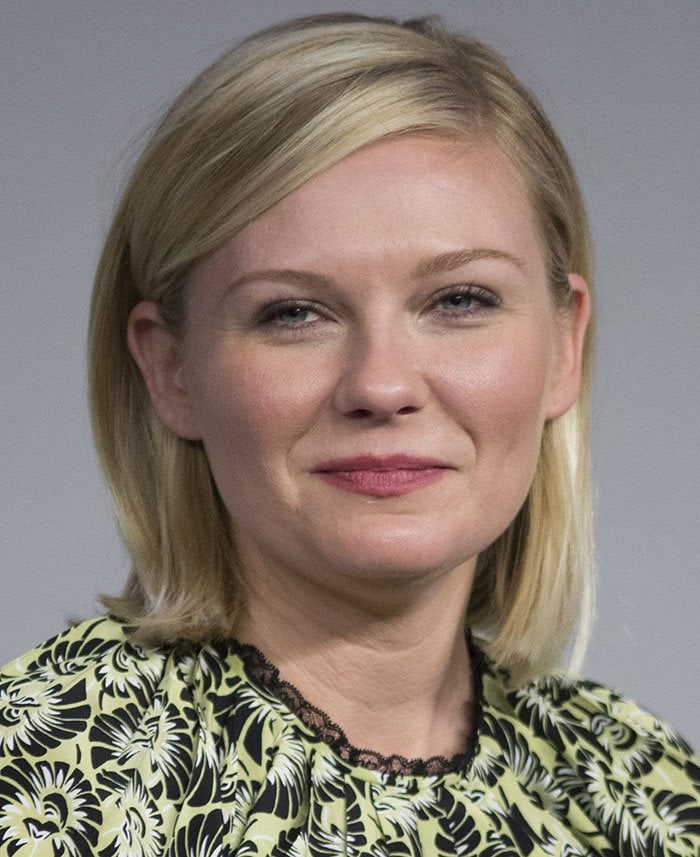 """Kirsten Dunst wears her hair down during a panel discussion: """"Apple Store Presents Meet the Filmmaker: 'Midnight Special'"""" held March 7, 2016 at the SoHo Apple Store in New York City"""