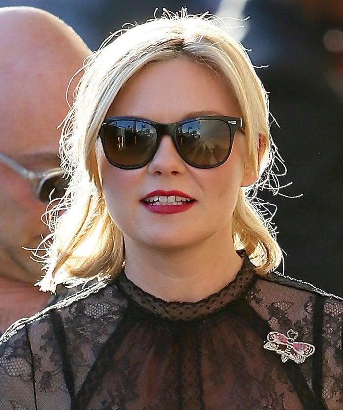 Kirsten Dunst Wears Salvatore Ferragamo Quot Angie Quot Bow Back