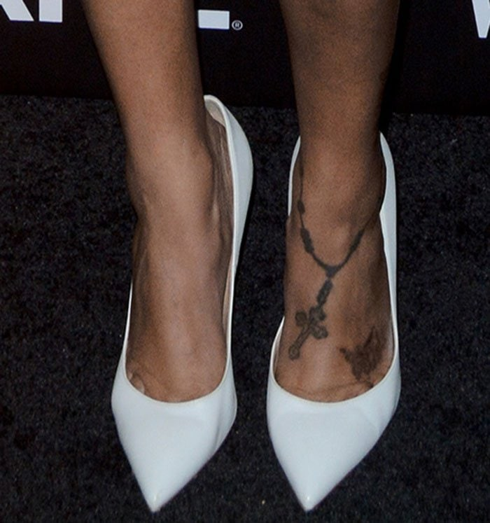 La-La-Anthony-White-Pumps