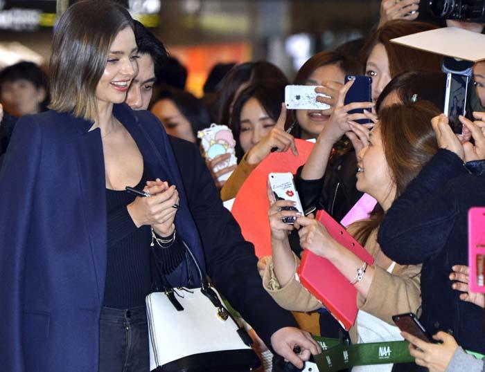 Miranda Kerr Tokyo Airport Saint Laurent 4