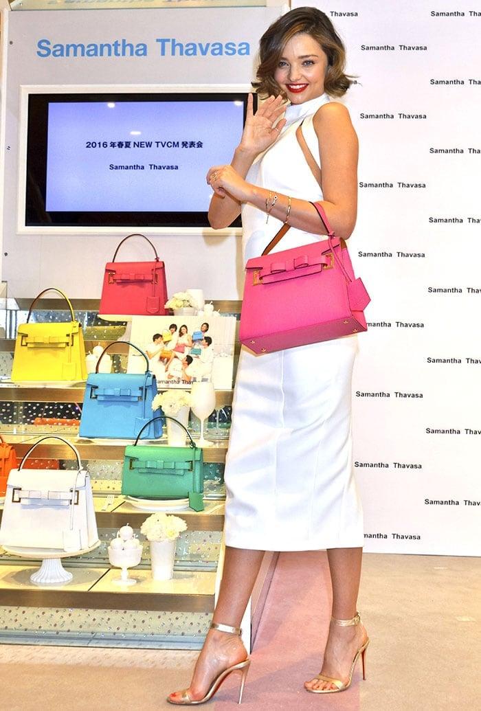 Miranda-Kerr-white-halter-dress-pink-Samantha-Thavasa-bag